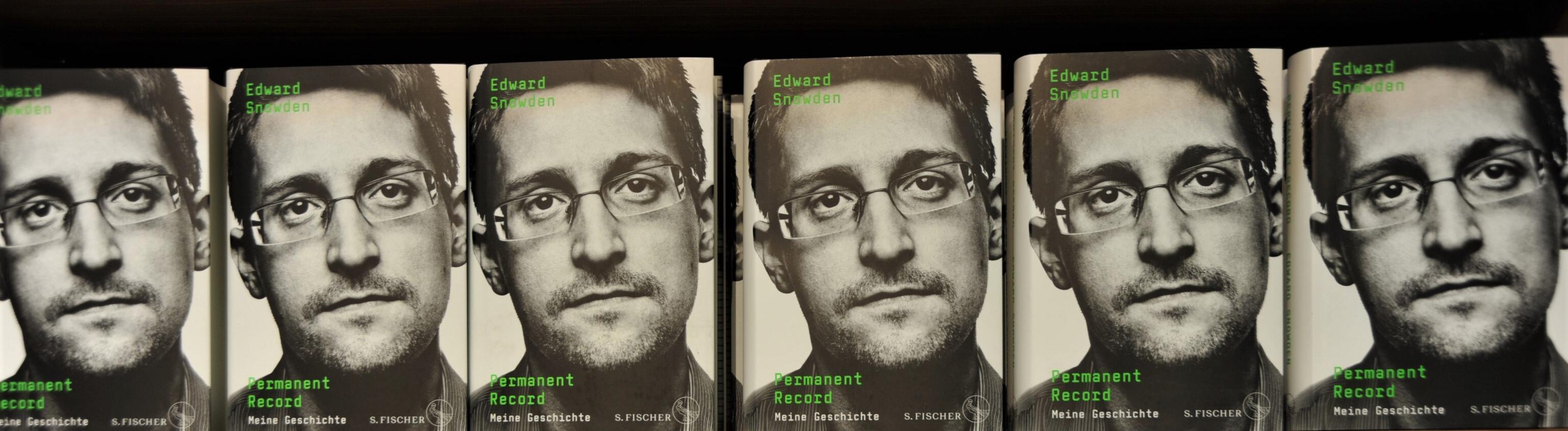 dward Snowden, Buchtitel - Permanent Record bzw Meine Geschichte, erschienen im S.Fischer Verlag