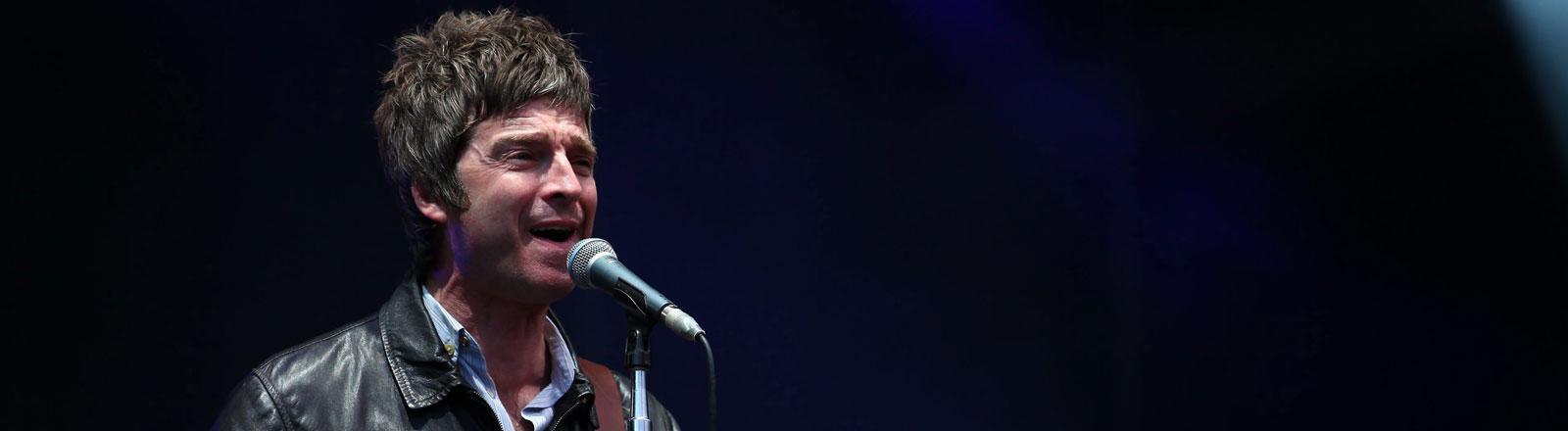 Noel Gallagher 2012 bei einem Auftritt in Frankreich.
