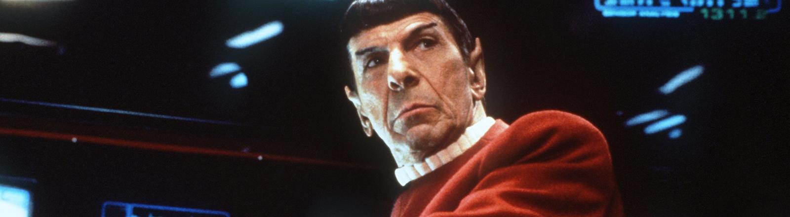 """Der amerikanische Schauspieler und Regisseur Leonard Nimoy in der Rolle des Vulkaniers """"Captain Spock"""""""