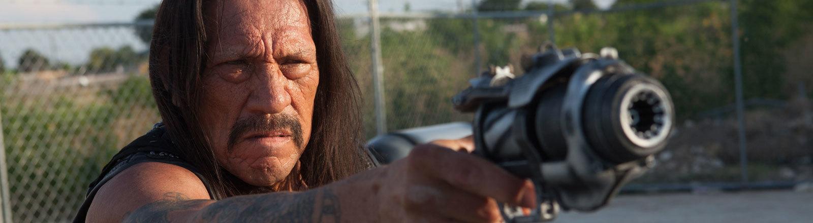 """Der Schauspieler Danny Trejo als Machete in einer undatierten Filmszene des Kinofilms """"Machete Kills""""."""
