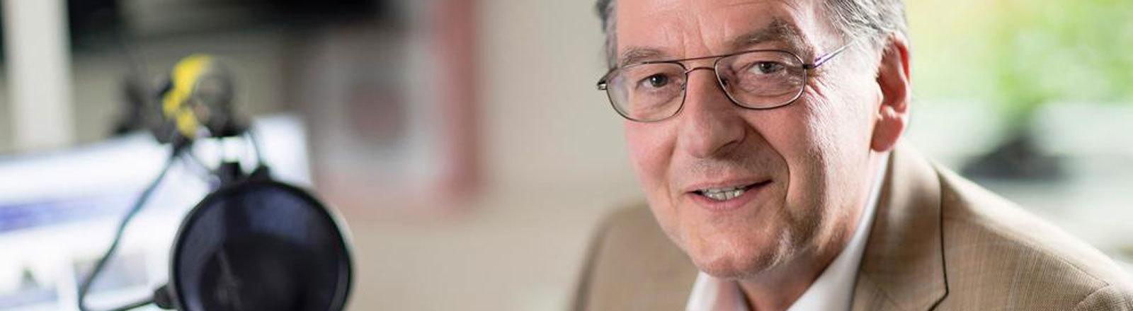 Hüter der ARD-Aussprachedatenbank Roland Heinemann