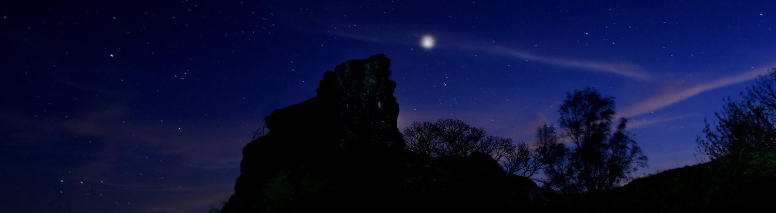 Ein Nachthimmel mit Sternen