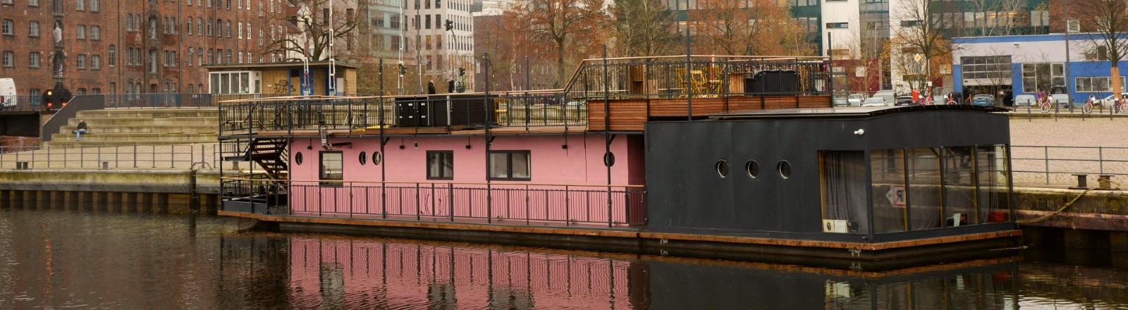 Das Hausboot von Olli Schulz und Fynn Kliemann.