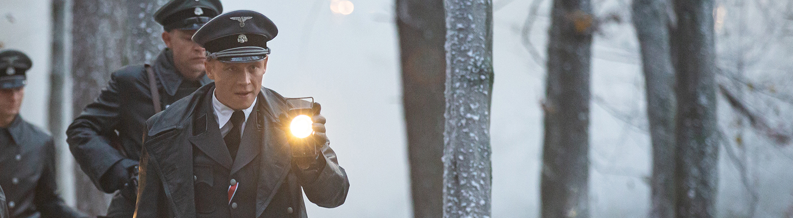"""Szenenbild mit Matthias Schweighöfer aus dem Film """"Résistance"""""""