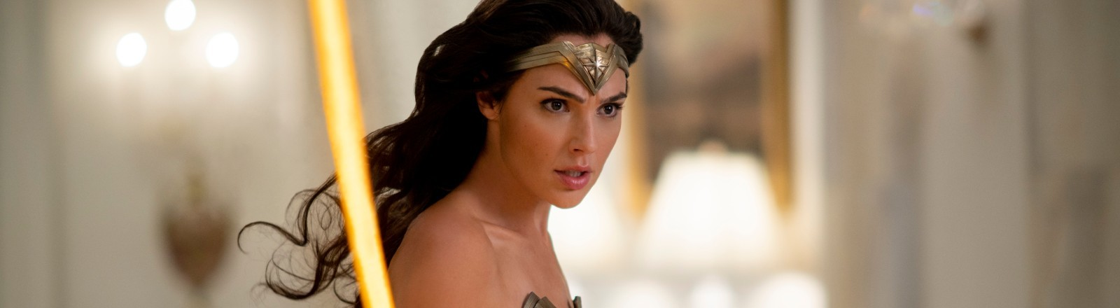 """Gal Gadot in einer Szene aus """"Wonder Woman 1984."""""""