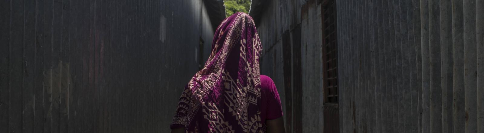 Bis heute ist Prostitution häufig mit Gewalt verbunden: Eine Prostituierte in der Stadt Daulatdia in Bangladesch im August 2021