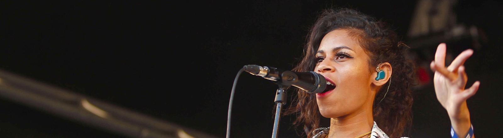 Aluna George während eines Auftritts beim Sonar Festival in Barcelona 2013