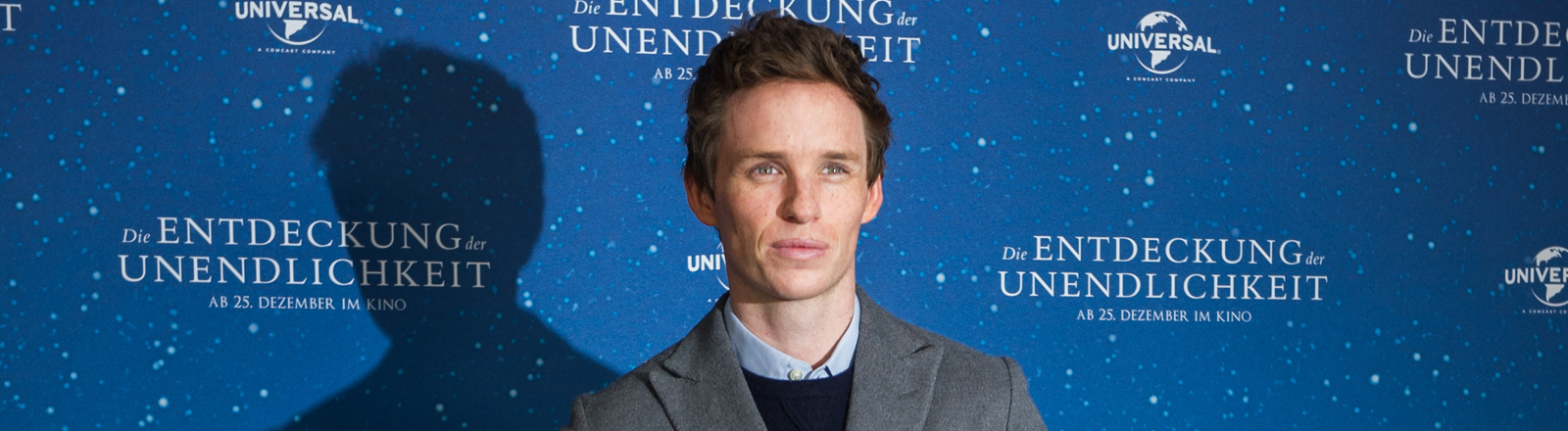 """Der Schauspieler Eddie Redmayne, aufgenommen am 24.11.2014 in München (Bayern) bei einem Pressetermin zum neuen Film """"Die Entdeckung der Unendlichkeit""""."""