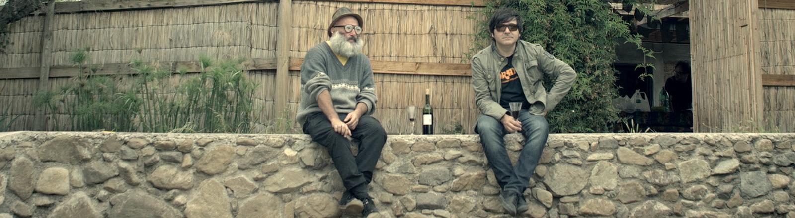 Macha und Rodrigo Gonzalez am Haus von Macha, EL VIAJE