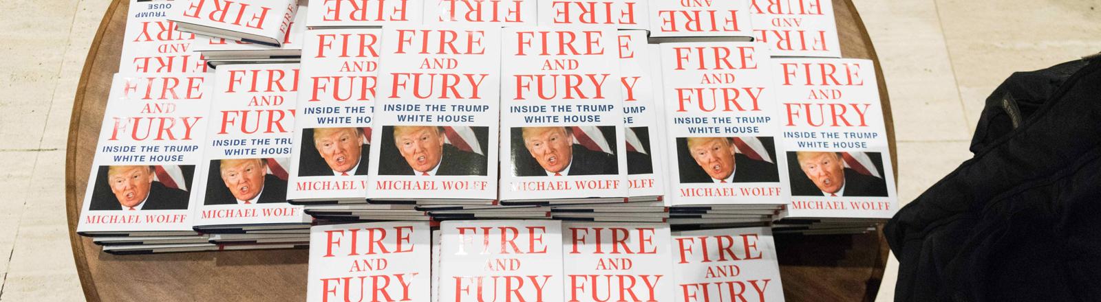 """Ausgaben von """"Fire and Fury"""""""