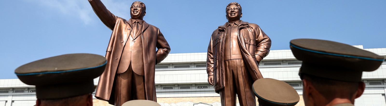 Denkmal für Kim Il-Sung und Kim Jong-Il in Pjöngjang