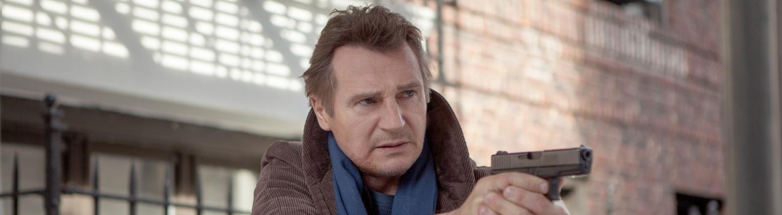 """Ex-CIA-Agent und Familienvater Bryan Mills (Liam Neeson) in einer Szene des Kinofilms """"96 Hours - Taken 3"""" (undatierte Filmszene)."""