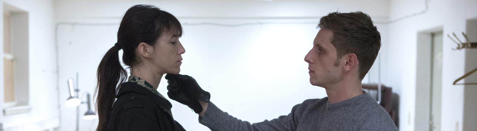 """Charlotte Gainsbourg als Joe und K (Jamie Bell) in einer Szene des Kinofilms """"Nymph()maniac 2"""""""