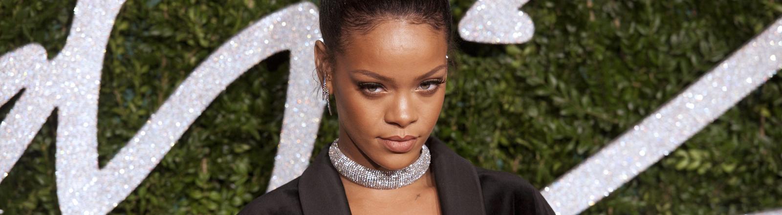 Rihanna bei den British Fashion Awards im Coliseum Theatre in London