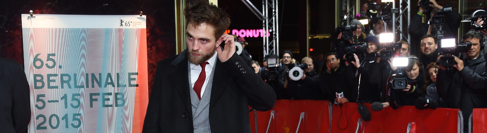 """Robert Pattinson bei der Premiere von """"Life"""" bei den 65sten Filmfestspielen von Berlin"""
