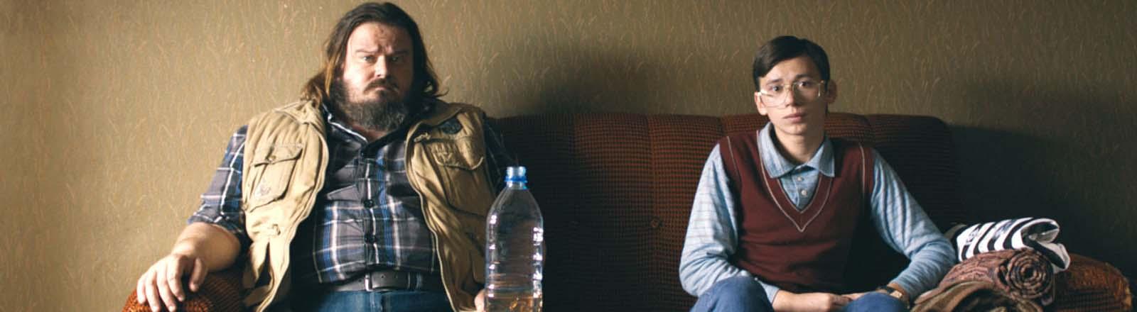 """Giuseppe Battiston (l) und Rok Prasnikar als Zoran in einer Szene des Films """"Zoran - Mein Neffe der Idiot""""."""