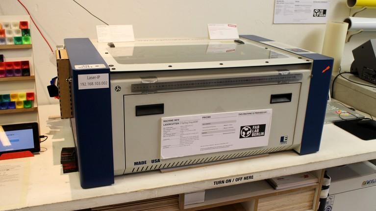 Anschaffungswert rund 15000 Euro - der Zing Epilog 6030-Lasercutter.