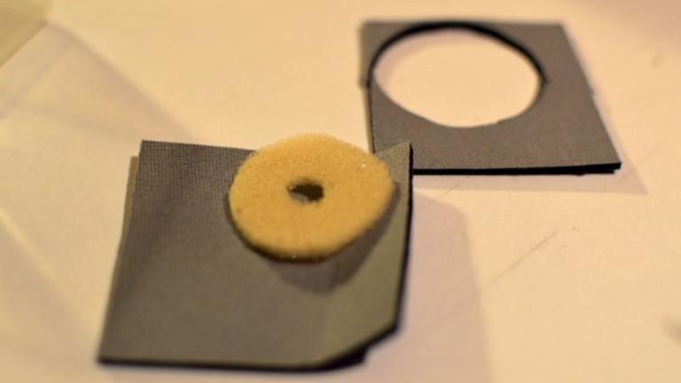 Der Textil-Neopren-Schaumstoffschalter