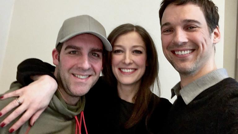 Prominenter Besuch bei Tom Westerholt: Alexandra Maria Lara und  Florian David Fitz.