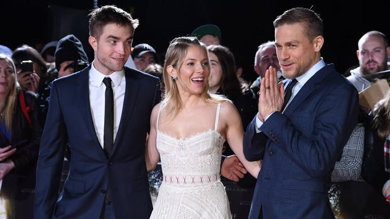 """Robert Pattinson, Sienna Miller und Charlie Hunnam bei der Premiere von """"Lost City of Z"""" in London 16.2.2017."""