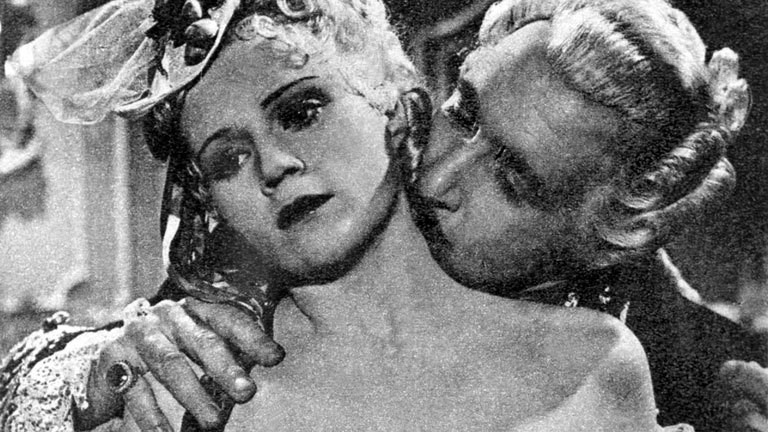 """Die schwedisch-deutsche Schauspielerin Kristina Söderbaum und Ferdinand Marian in dem antisemitischen Film """"Jud Süß"""" (1940)."""