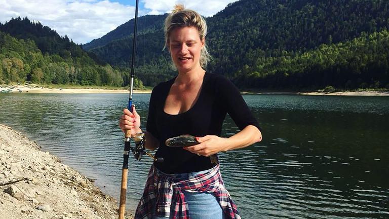 Heike Kottmann hat eine Fisch gefangen.