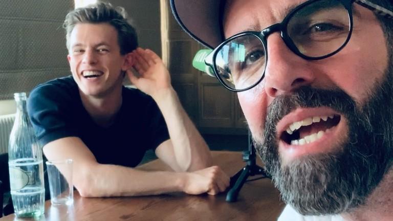 Selfie mit Schauspieler Jannis Niewöhner und Filmkritiker Tom Westerholt.