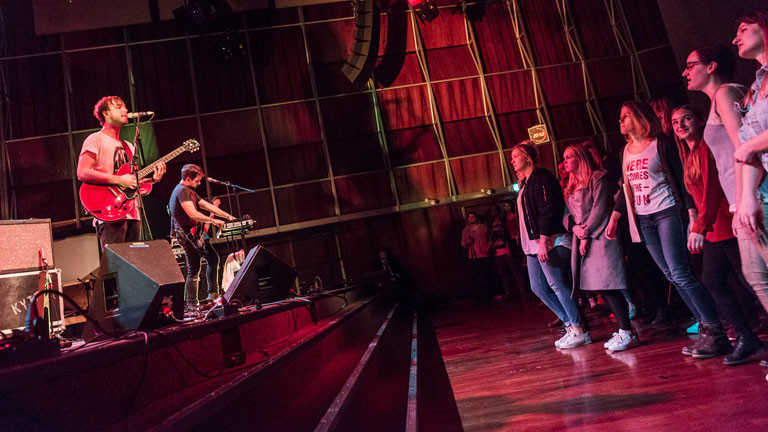 KYTES auf der Bühne
