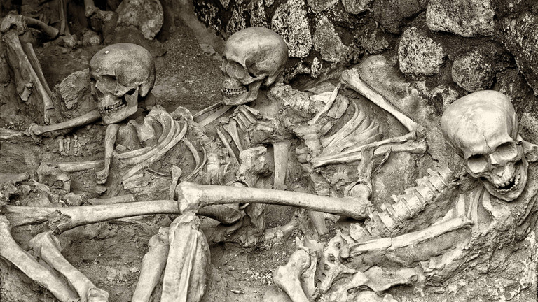 Pompeji wird unter Lava begraben