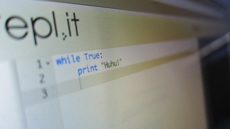 Dieser Programcode führt zu endlosen Huhus.