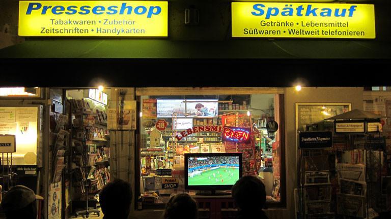An diesem Kiosk hat Moritz den Fernseher gleich drei Mal ausgeschaltet.