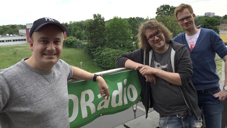 Daniel Fiene (l.), Herr Pähler (r.) und ihr Gast Christian Bornschein (m.)