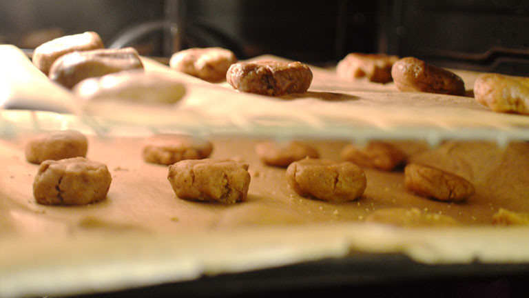 Die Cookies im Ofen.