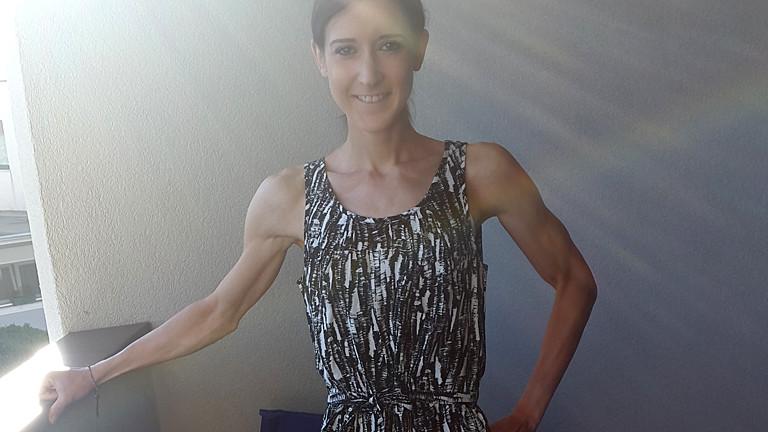 Extrem dünne Frau