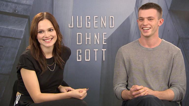 Jannis Niewöhner und Emilia Schüle