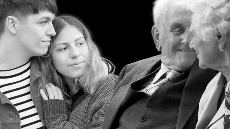 Ein junges und ein altes Paar.