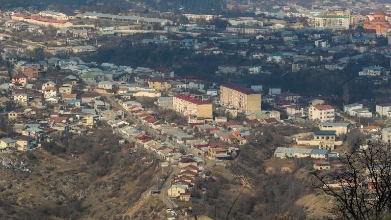 Blick auf Stepanakert, die Hauptstadt der Republik Arzach.