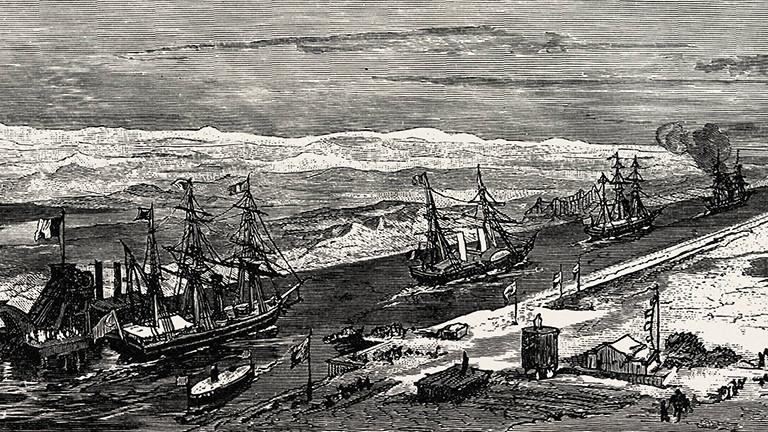 Im Jahr 1879 durchqueren mehrere Segelschiffe den Sueskanal.
