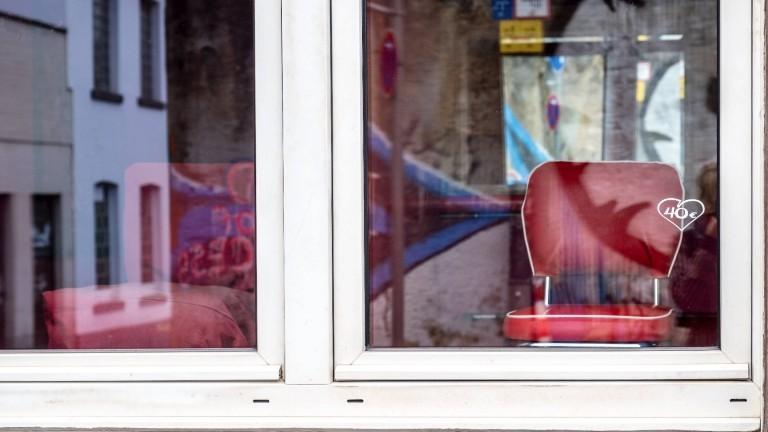 Corona-Krise. Geschlossener Rotlichtbezirk. Coronakrise 2020. Im Rahmen des so genannten Lockdowns sind die Bordelle im Rotlichtbezirk Antoniusstraße auf behördliche Anordnung bis auf weiteres geschlossen. Aachen, Nordrhein-Westfalen, Deutschland, 19.04.2020.