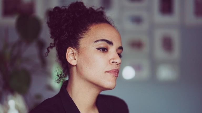 Ciani-Sophie Hoeder, Gründerin des Magazins für schwarze Menschen RosaMag.