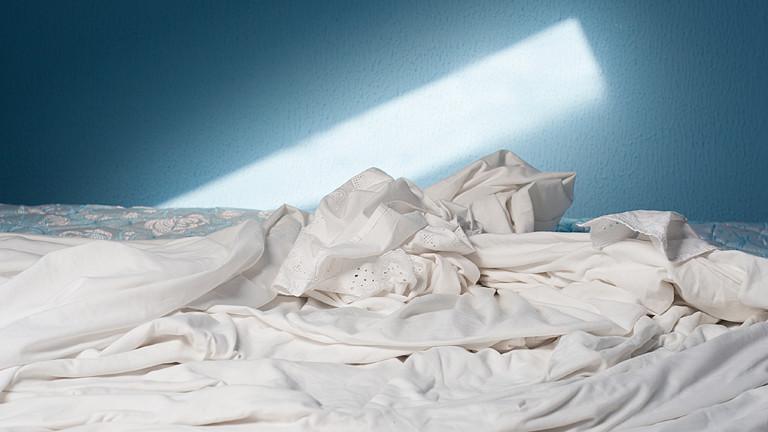 Ein zerwühltes Bettlaken