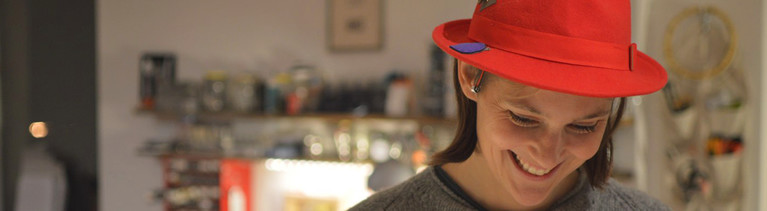 Hannah Perner-Wison mit dem Hallo-Hut.