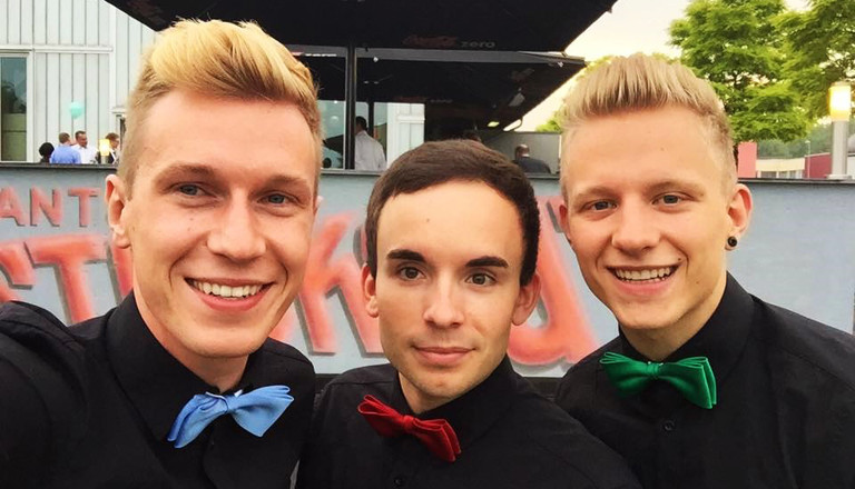 Simon, Johannes und  Matthias leben in einer Dreierbeziehung