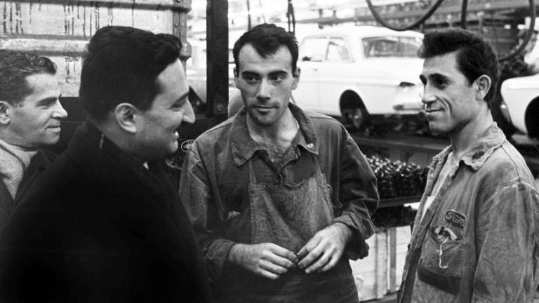 Gastarbeitenden aus der Türkei in einer Kölner Autohersteller-Fabrik 1964.