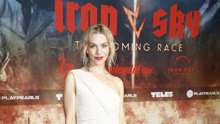 """Schauspielerin Julia Dietze bei der """"Iron Sky""""-Filmpremiere in Berlin."""