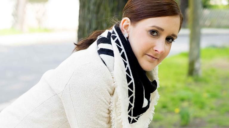 Bilde einer Frau im Park