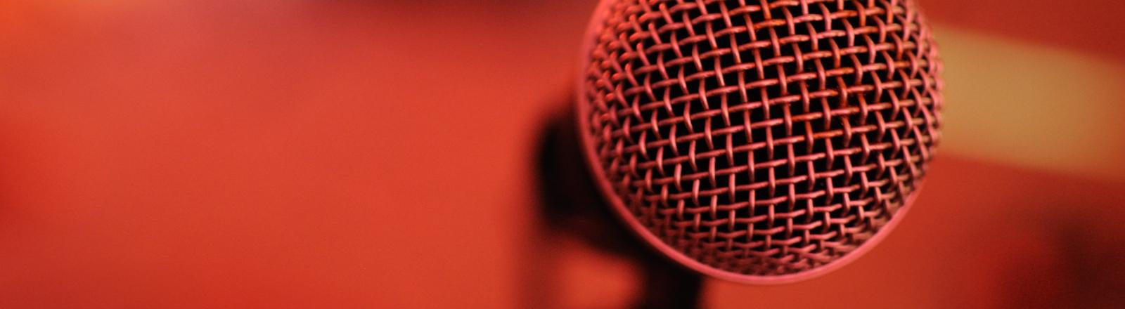 Ein Mikrofon in Nahaufnahme