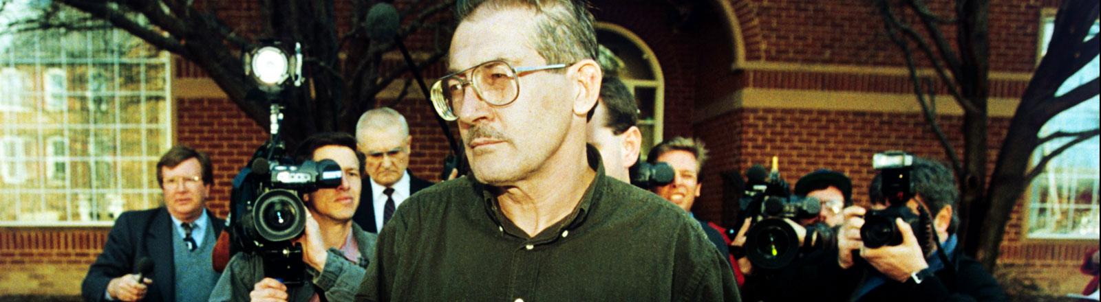 Der CIA-Beamte Aldrich Ames aufgenommen nach seiner Festnahme in Alexandria/ USA am 22.02.1994.