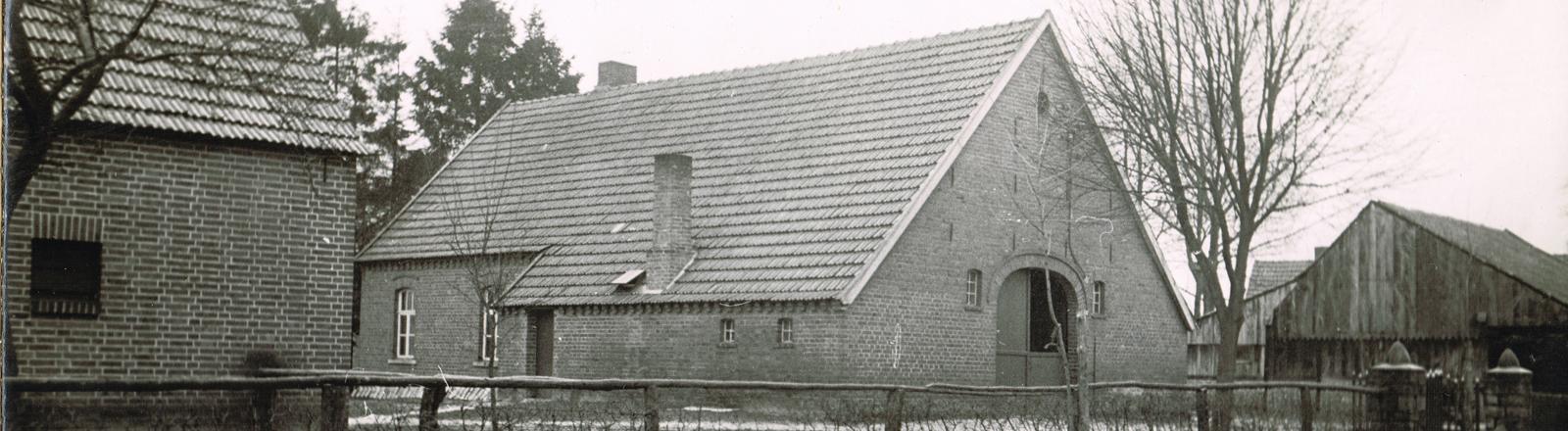 Der Bauernhof von Kathrins Oma, schwarz-weiß Fotografie