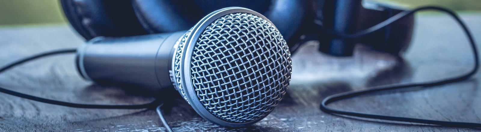 Mikrofon und Kopfhörer